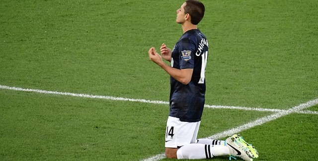 Chicharito to Leave Manchester United to Make Way for Cavani?