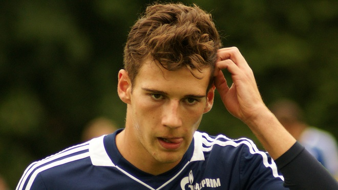 Schalke's Leon Goretzka signs contract to join Bayern Munich next season